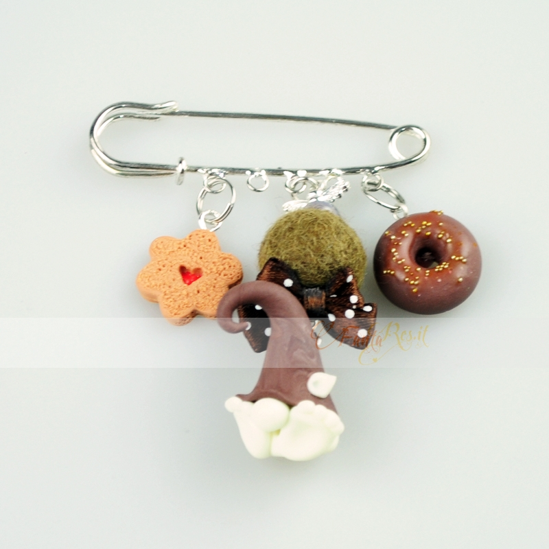 spillone color argento - charms con folletto, donuts e biscottino